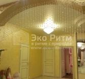 Декор арки нитями из бусин