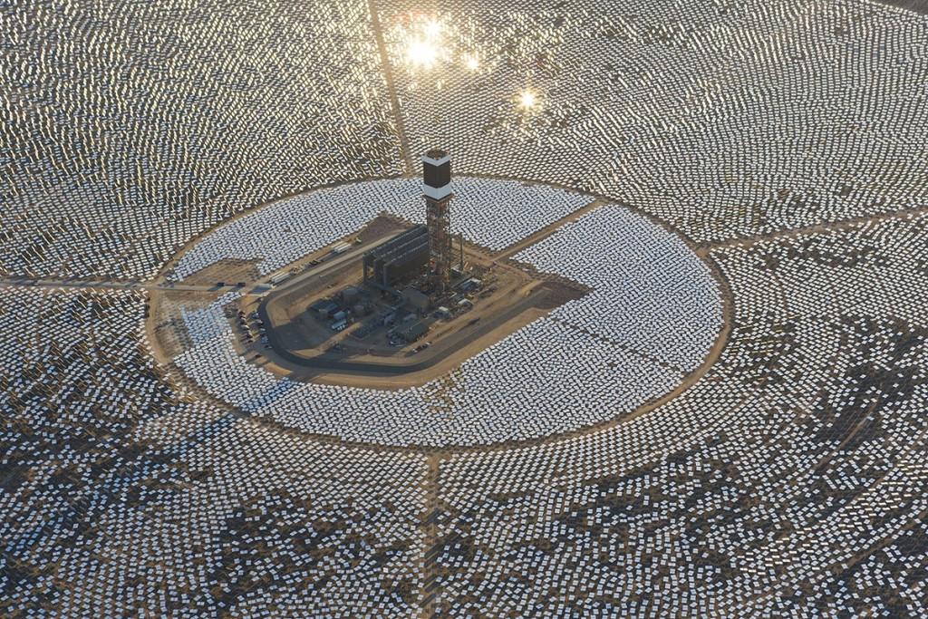 Самая крупная солнечная электростанция в мире